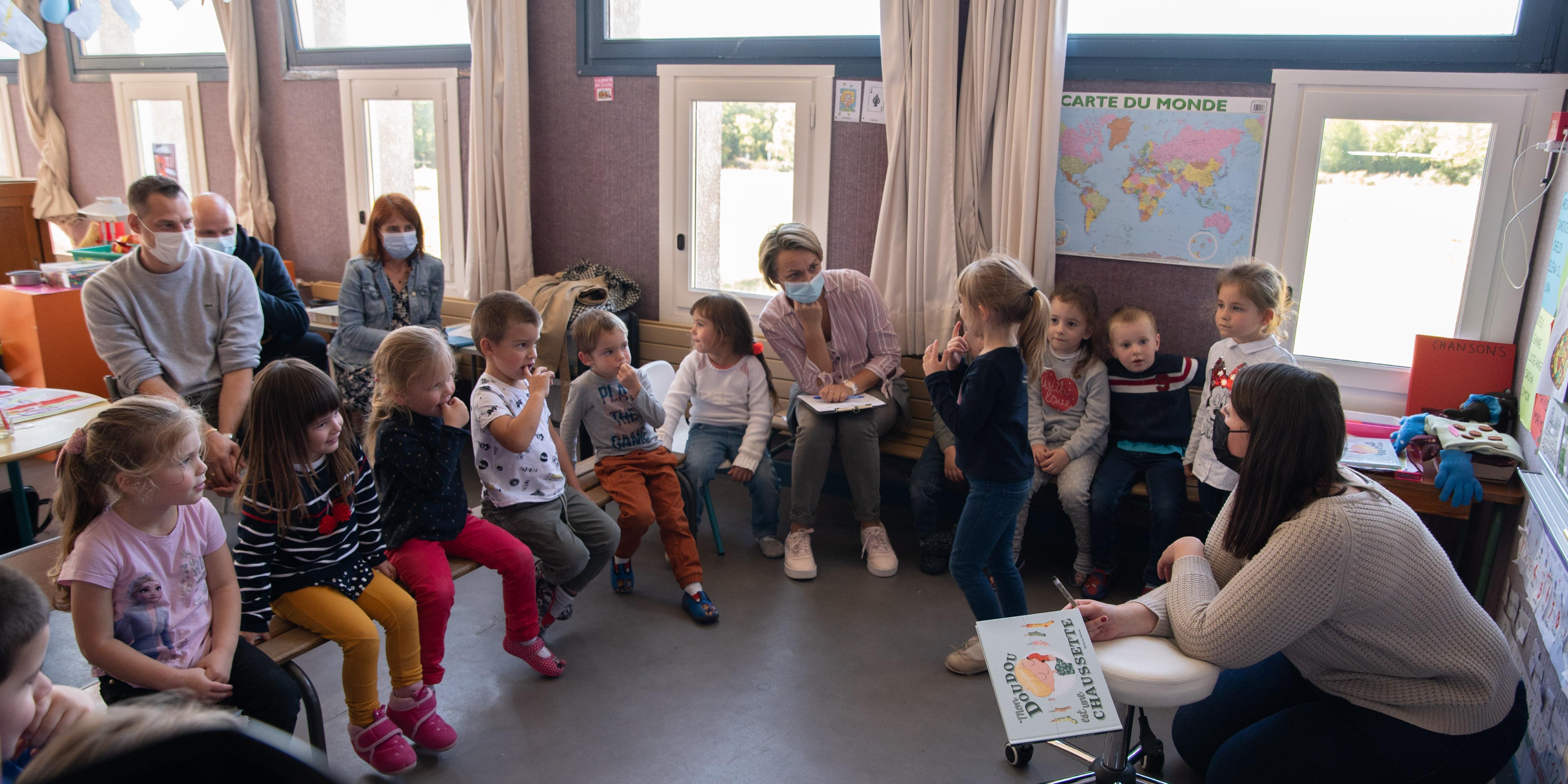 """L'auteur de l'album lauréat du concours """"Ouvrez, ouvrez les livres aux bébés"""" en visite sur le territoire"""